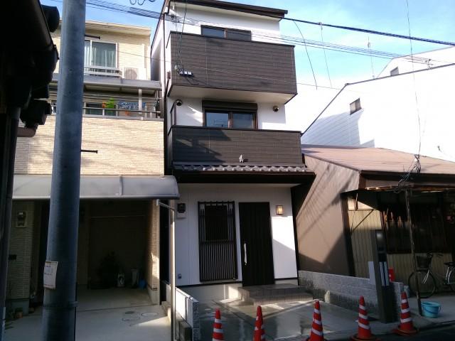 京町家をイメージした3階建<注文建築>